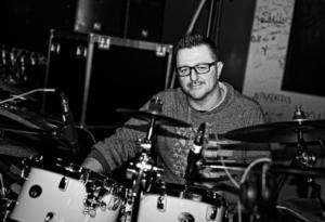 Maxx Furian alla batteria